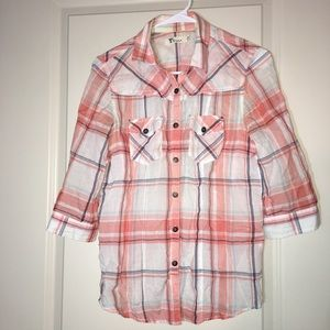 Tops - Cute plaid blouse
